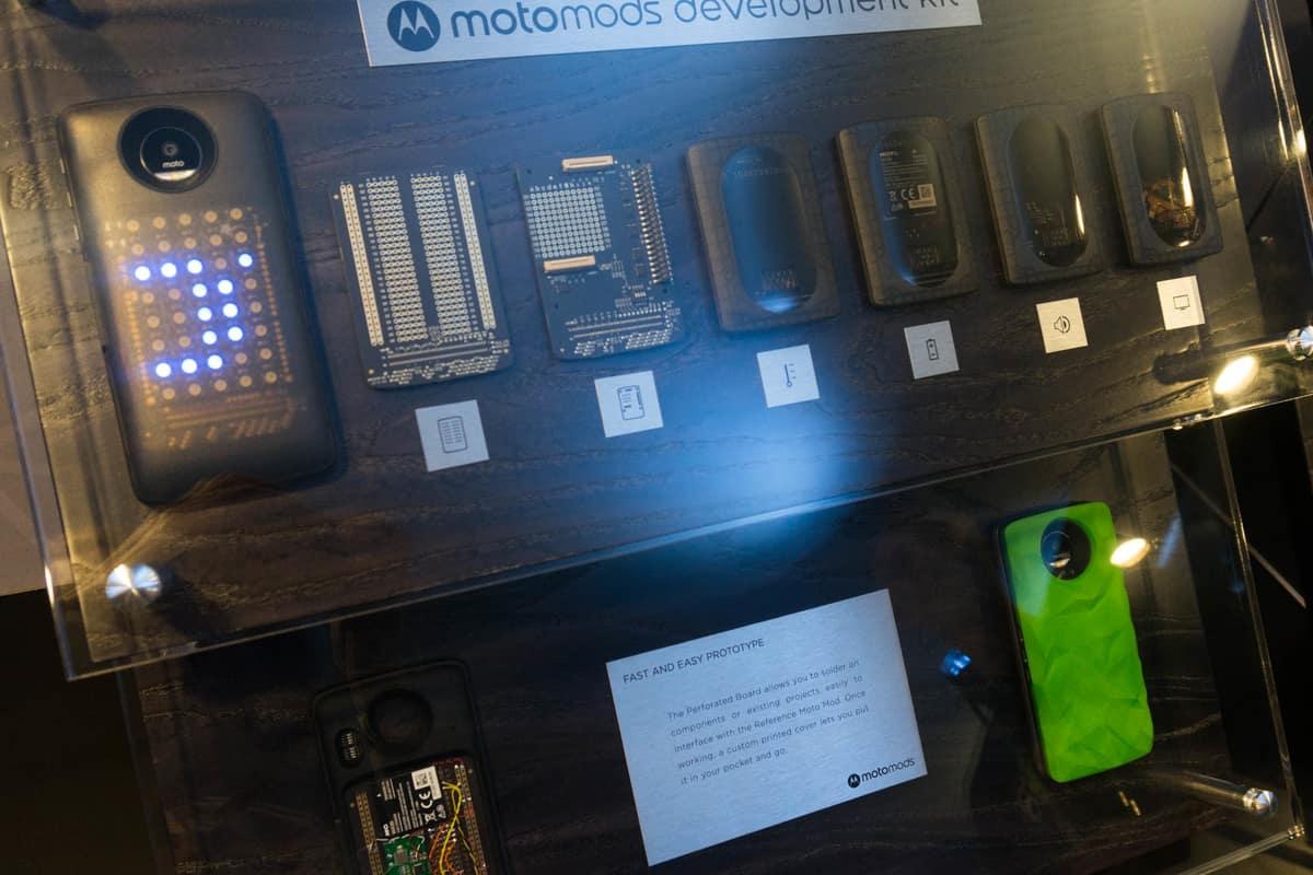 Модульные аксессуары Motorola – за и против