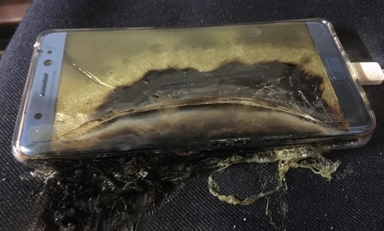 Почему в смартфонах взрываются батареи и как себя защитить