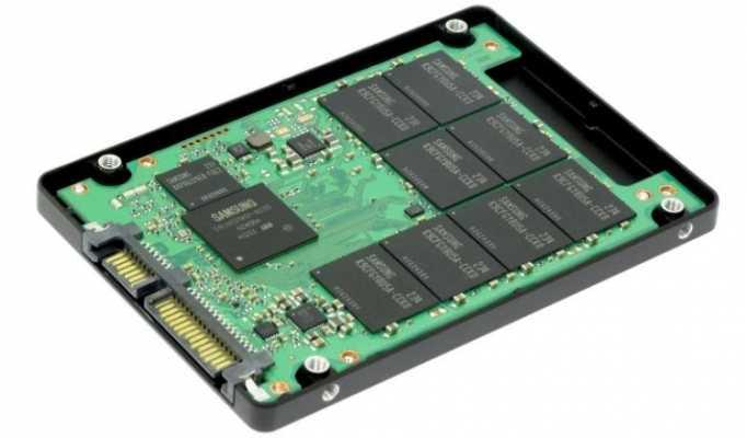 Внутреннее строение SSD диска форм-фактора 2.5 дюйма.