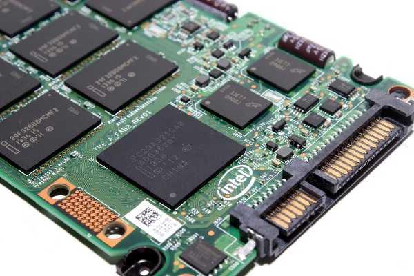 SSD диск с сSATA подключением.