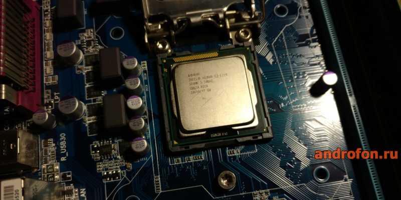 Серверный процессор Intel Xeon E3-1240 в потребительской системной плате Gigabyte.