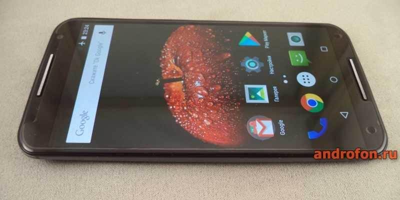 Motorola X2 с глянцевым стеклом 2.5D.
