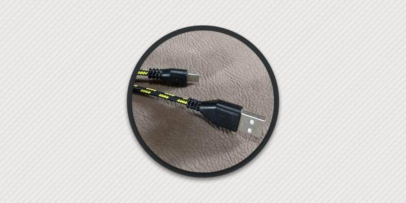 Как починить штекер кабеля питания.