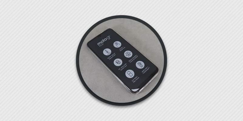 Обзор мобильного телефона Motorola Moto G8+.