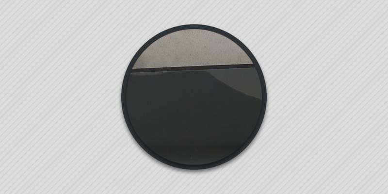 Почему на айфоне отклеивается стекло.