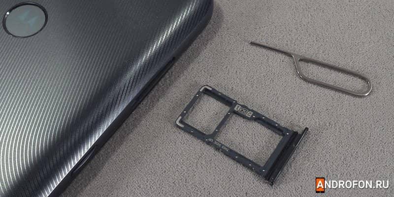 Слот для карточек Motorola G9 Power.